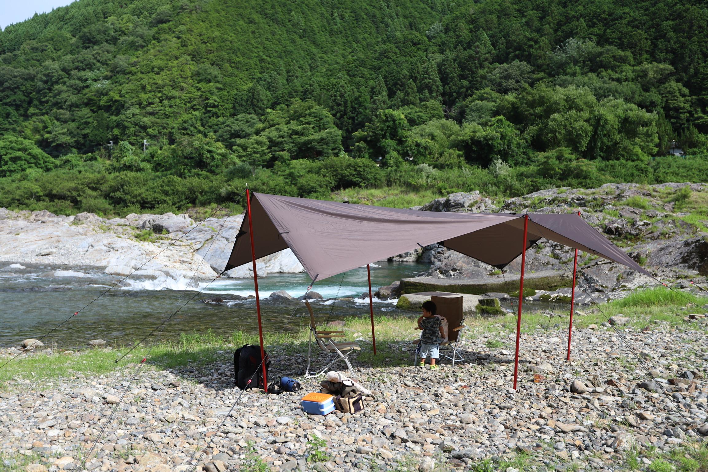 吉野川でデイキャンプができるスポット。宮滝河川交流センター